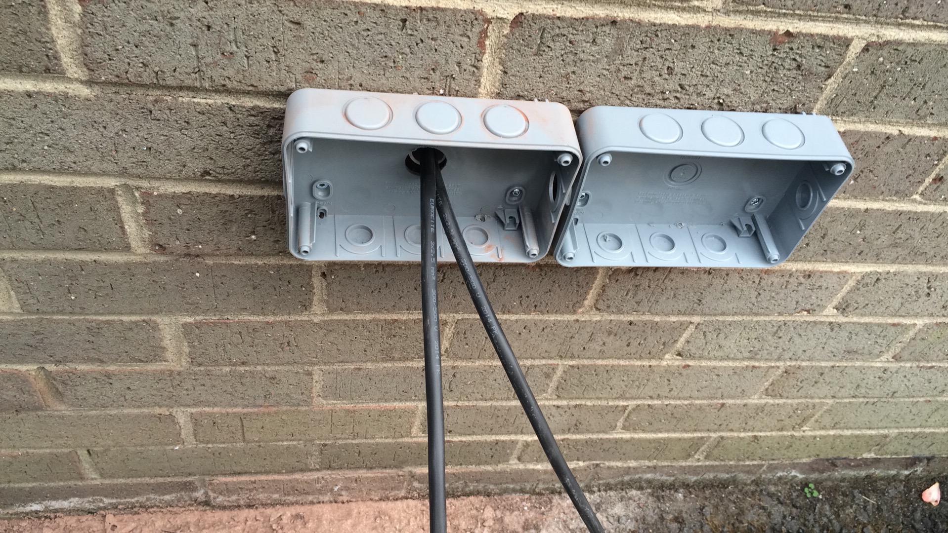 Installing the new IP66 waterproof plugs