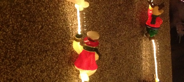 These are more rare than other figures on displays. They are reindeers and snowmen climbing up a set of rope light